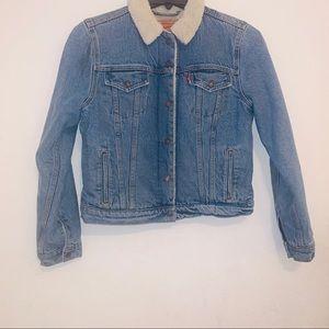 Denim trucker faux fur jean jacket m Levis